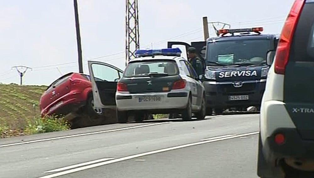Cuatro muertos tras una colisión frontal entre dos turismos en Sevilla