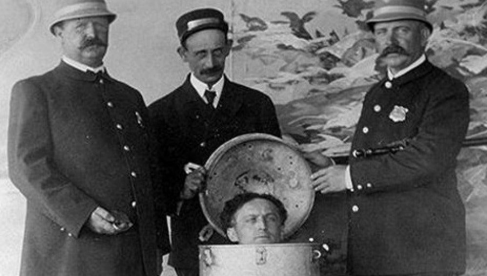El mago ilusionista Houdini