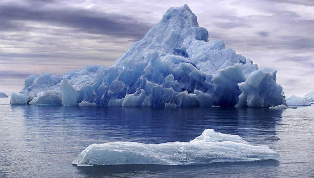 Iceberg - Imagen de archivo