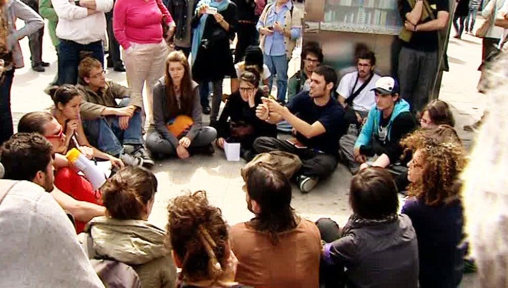 El movimiento 15-M se reúne en asamblea