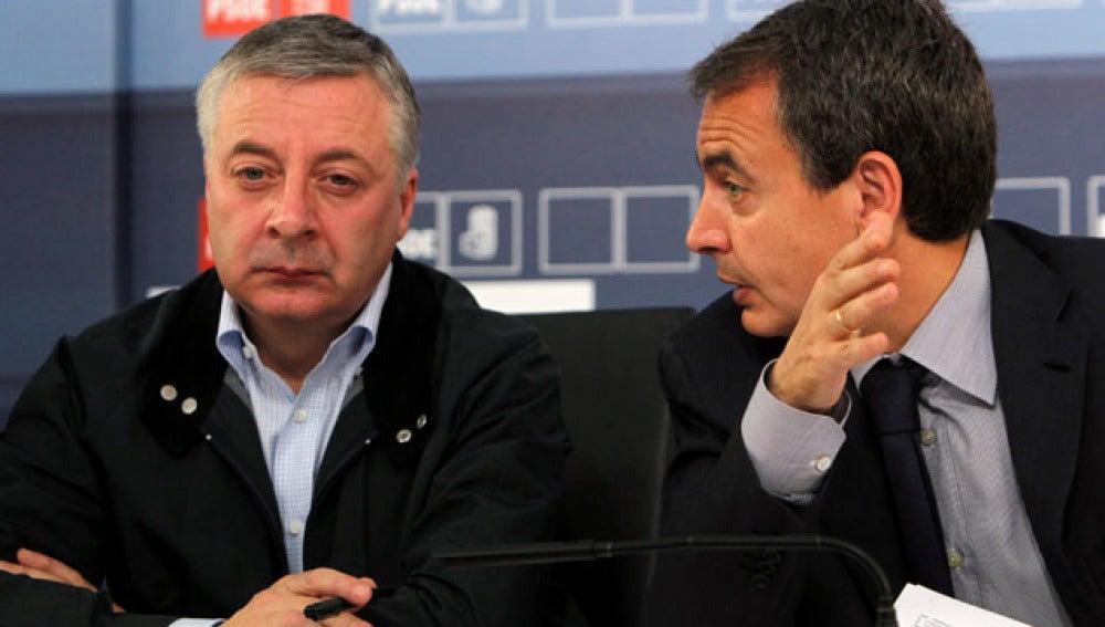 Blanco junto a Zapatero