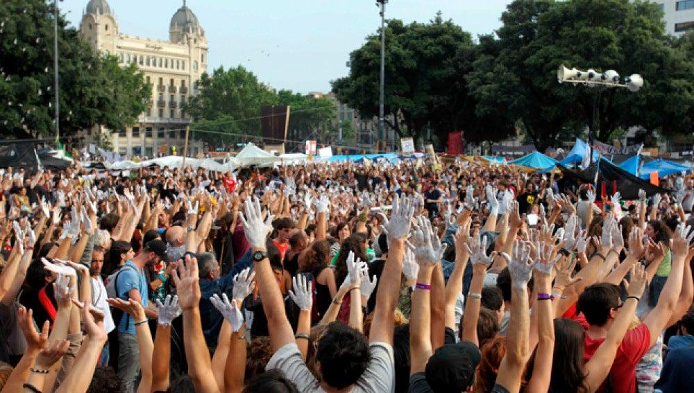 'Indignados' en la Plaza de Cataluña