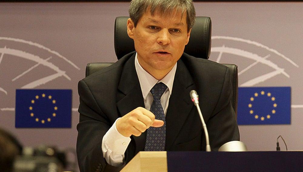 El comisario de agricultura, Dacian Cioclos