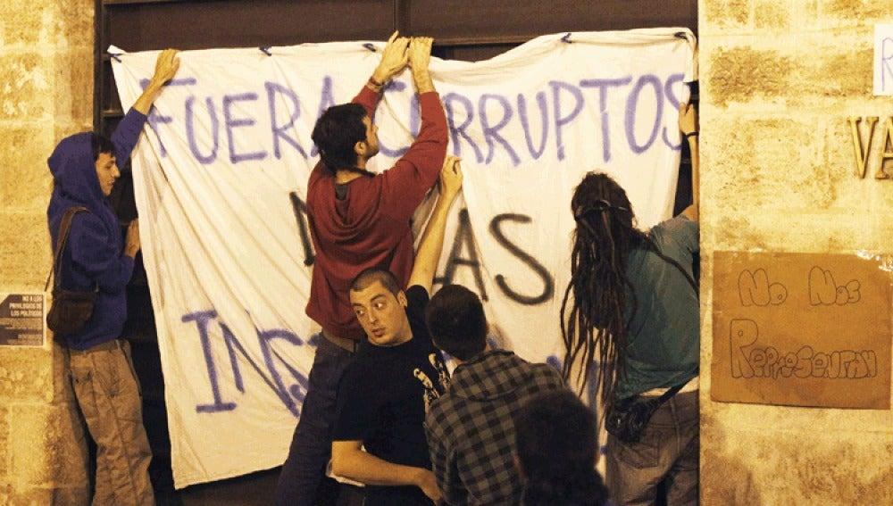 Protesta ante Cortes Valencianas.