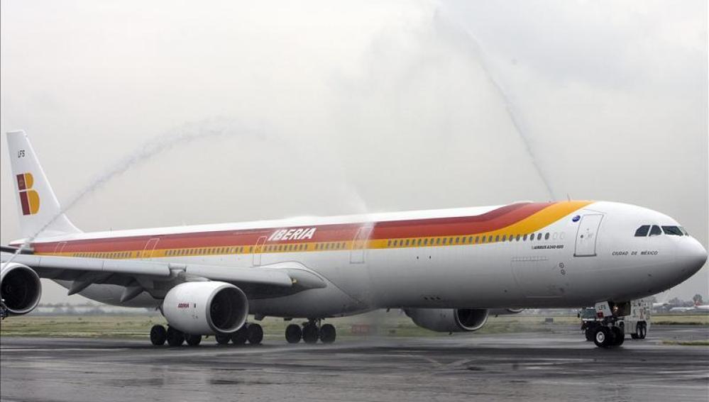 Un pasajero obliga a regresar un vuelo a Múnich al desnudarse y agredir a la tripulación