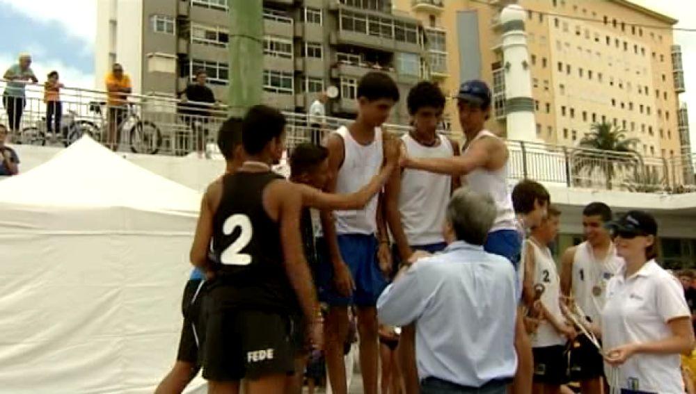 Tenerife y Gran Canaria se reparten el campeonato regional de voley
