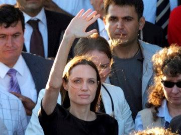 Angelina Jolie visita Altinozu