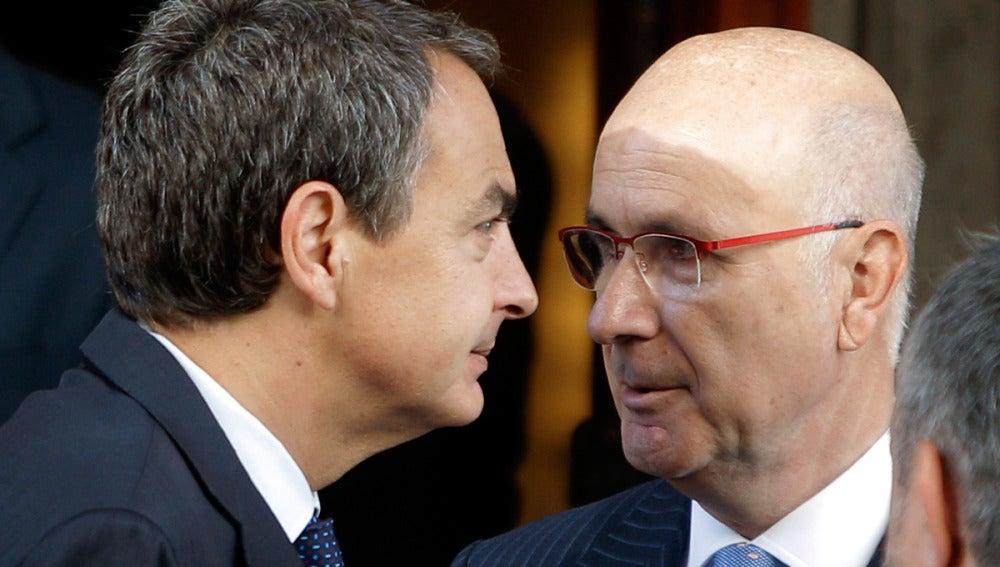 Zapatero conversa con el portavoz parlamentario de CiU, Josep Antoni Duran i Lleida