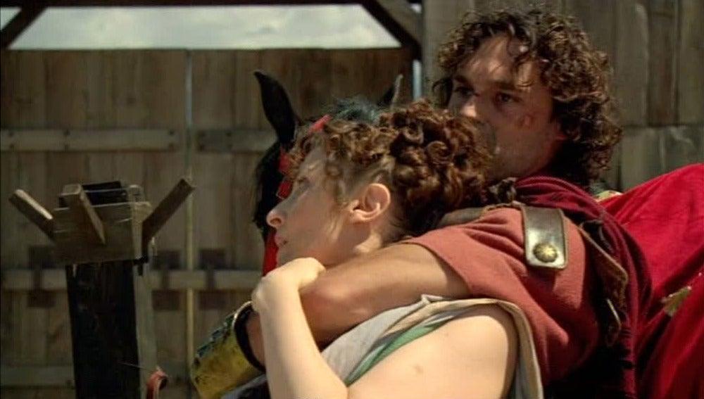 Fabio logra escapar del campamento utilizando a Claudia