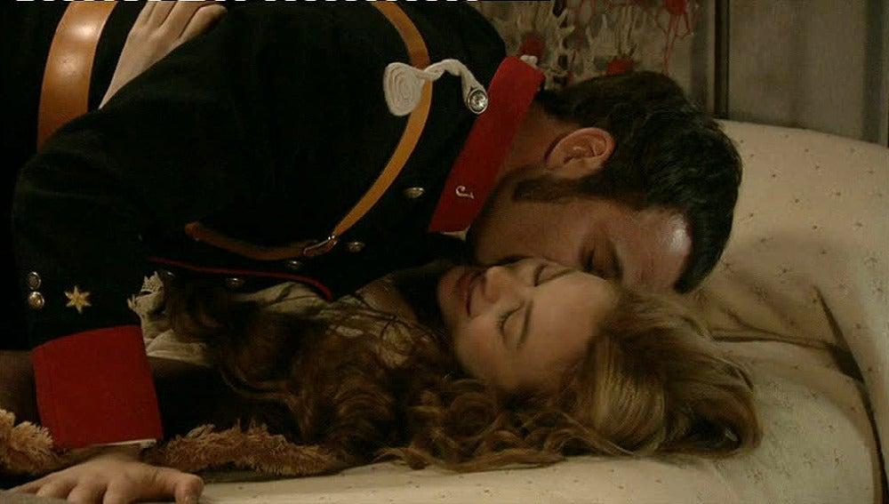 Sara y Miguel, enamorados