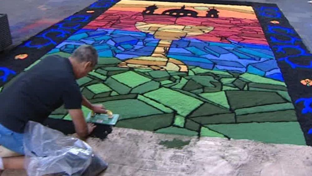 Arucas y La Laguna engalanan sus calles con atípicas alfombras