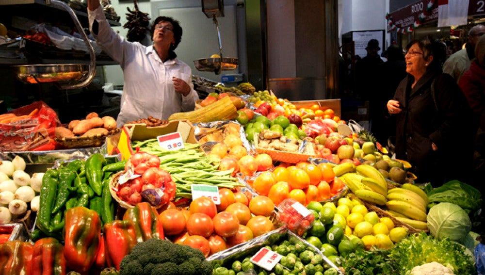 Vista del interior del Mercado de la Ribera