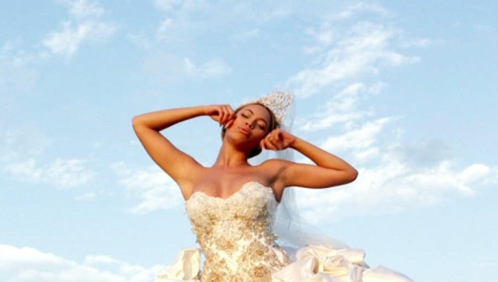 Beyonce en una de las imágenes de su nuevo videoclip
