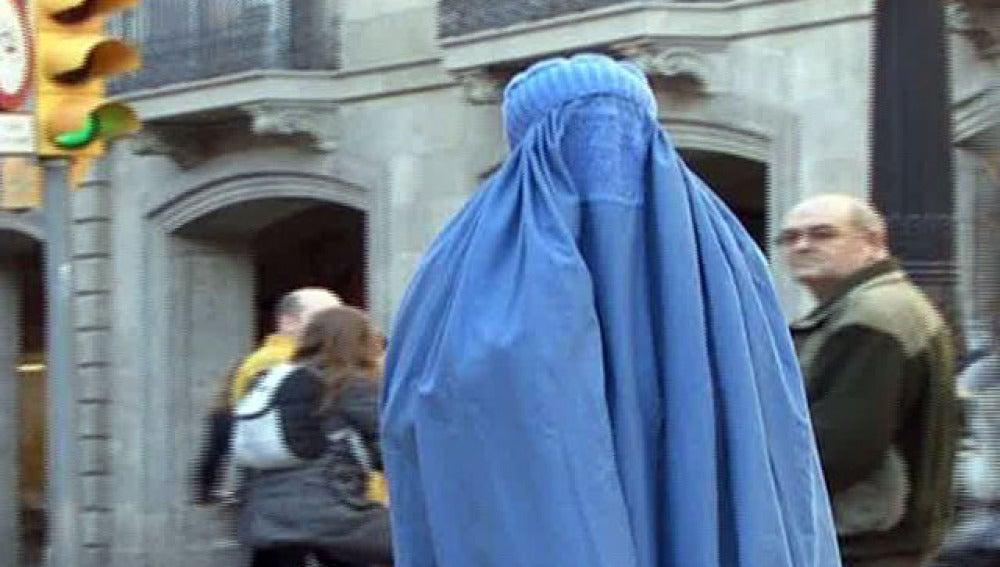 Niña burka en Melilla