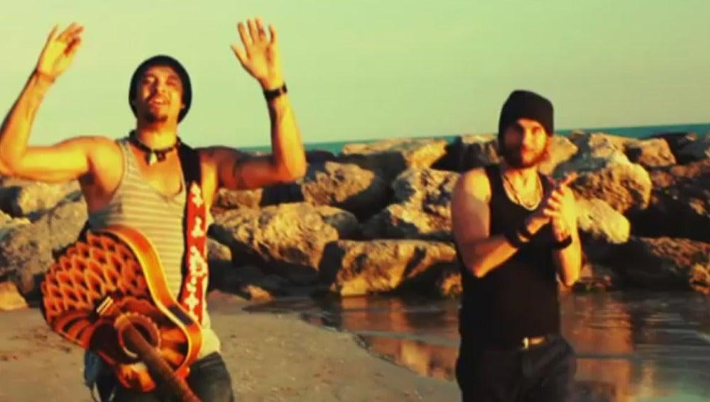 Franti y Macaco cantan juntos