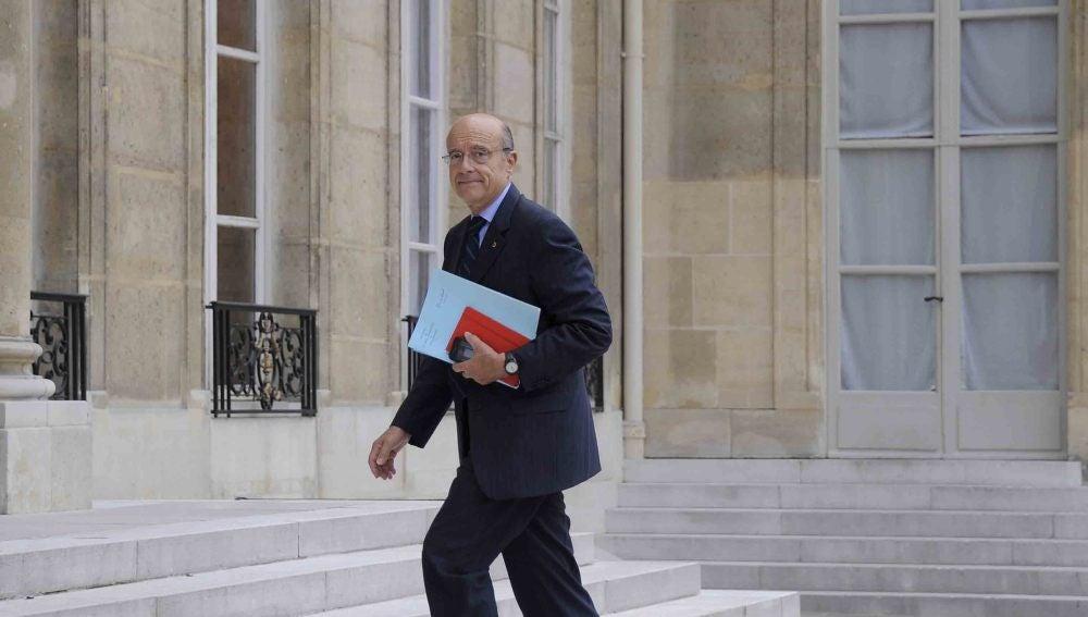 Trinidad Jiménez se reune con el 'primer ministro' de los rebeldes libios