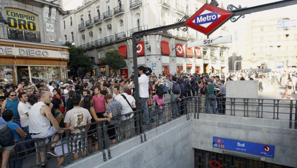 El acceso a la estación de metro de la Puerta del Sol de Madrid se cerró a las 18.30 horas