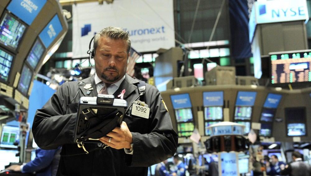 Un corredor de bolsa de Wall Street