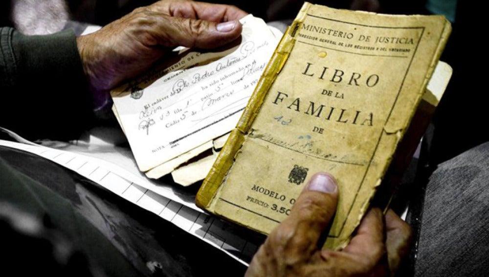 El Libro de Familia no acredita ser pareja de hecho para cobrar una pensión
