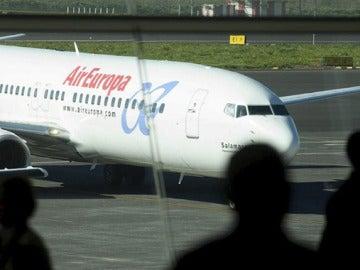 Pilotos de Air Europa convocan una huelga para este verano