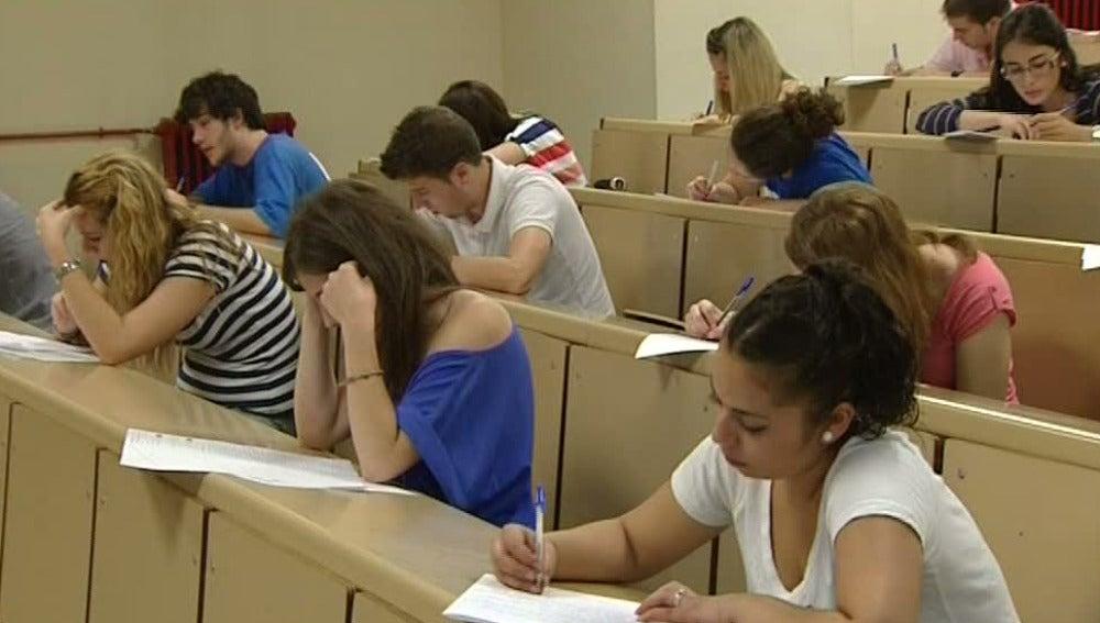 Estudiantes sin plazas en las universidades