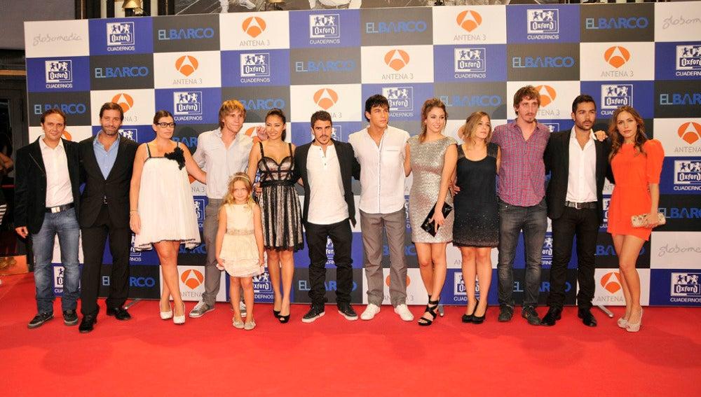Los actores  de El Barco en la premiere