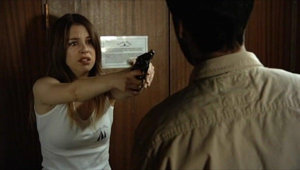 Ainhoa no es capaz de disparar a Gamboa