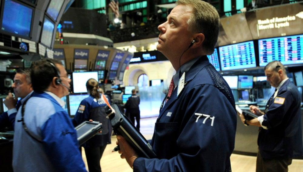 Wall Street cierra en números rojos