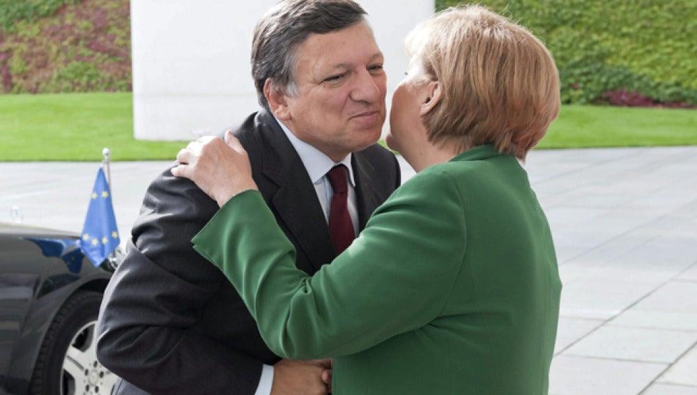 Durao Barroso y Merkel en una reunión en Berlín