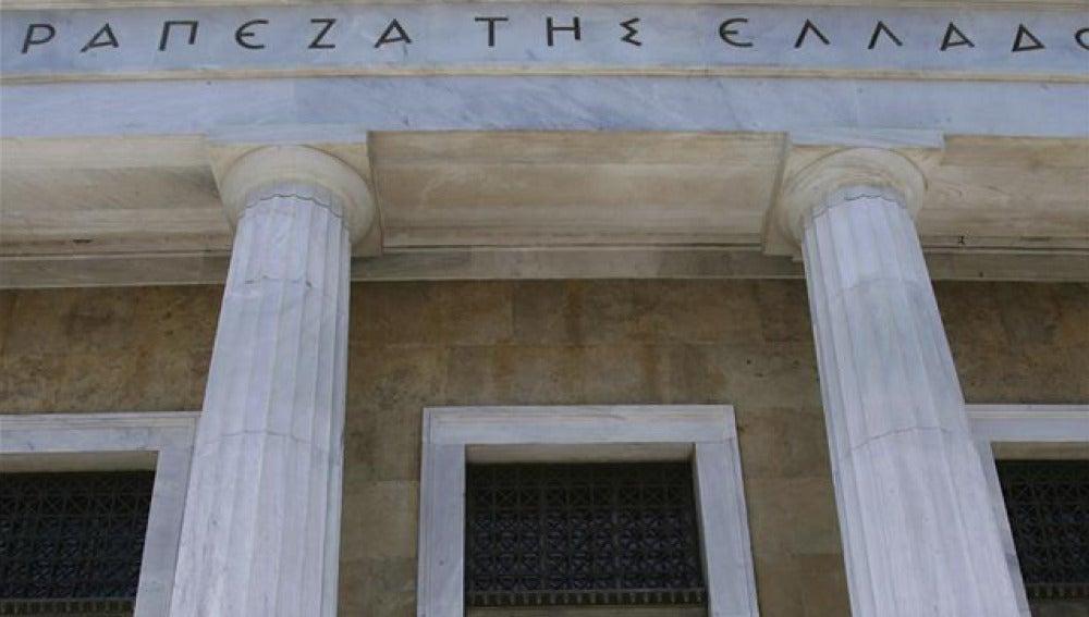 Grecia solo tiene liquidez para pagar sueldos públicos y pensiones hasta octubre