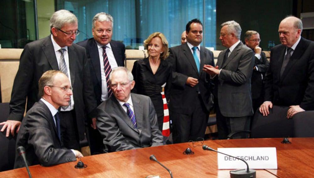EEUU acudirá al Ecofin a presionar a la UE para que solucione la crisis de deuda