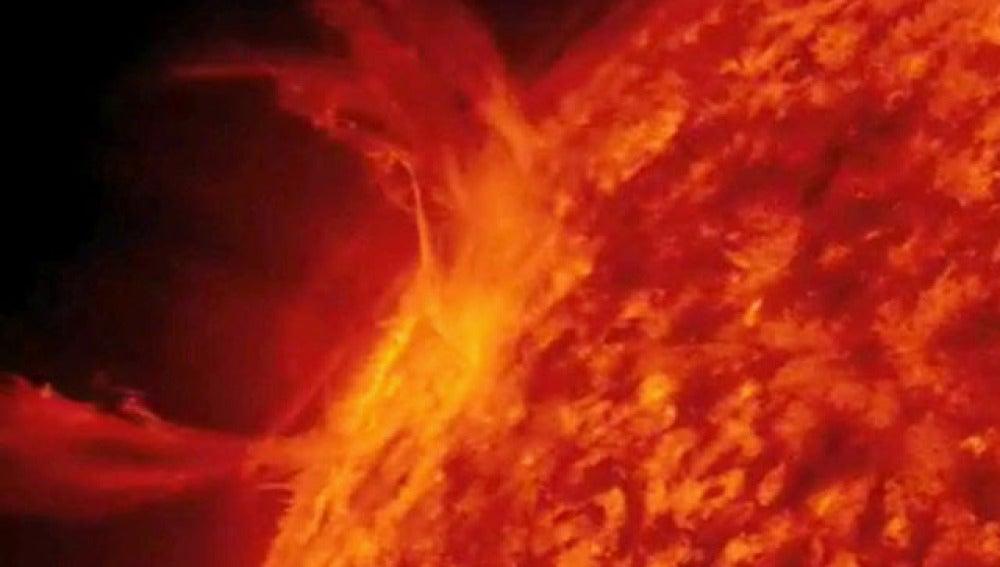 El Sol entra en erupción