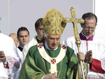 Benedicto XVI dice que un agnóstico está más cerca de Dios que un fiel rutinario