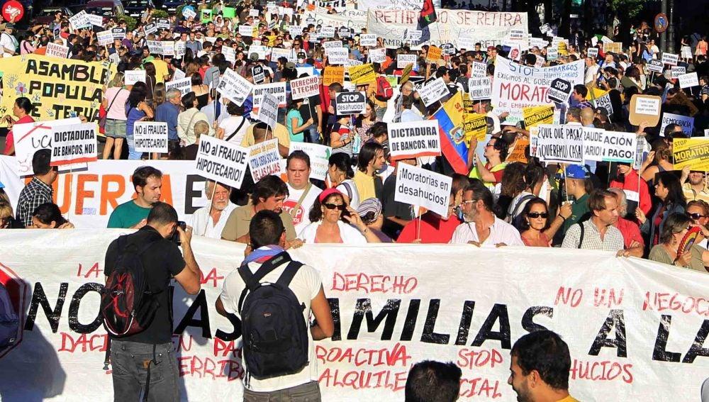 Multitudinarias manifestaciones en España por el derecho a vivienda digna
