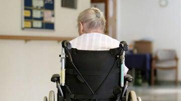 Denuncian a un geriátrico de Avilés por dejar solos a los ancianos por la noche