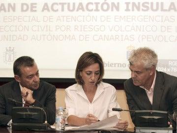 Paulino Rivero, Carme Chacón y Alpidio Armas