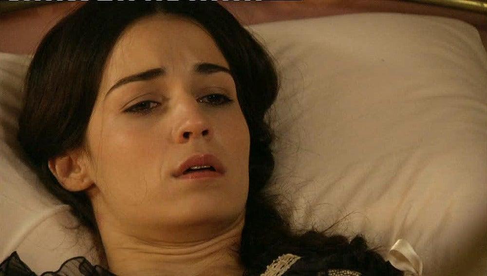 Eugenia se entera de que ha perdido a su bebé