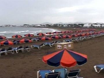 Algas tóxicas impiden el baño en las playas de Lanzarote y La Graciosa