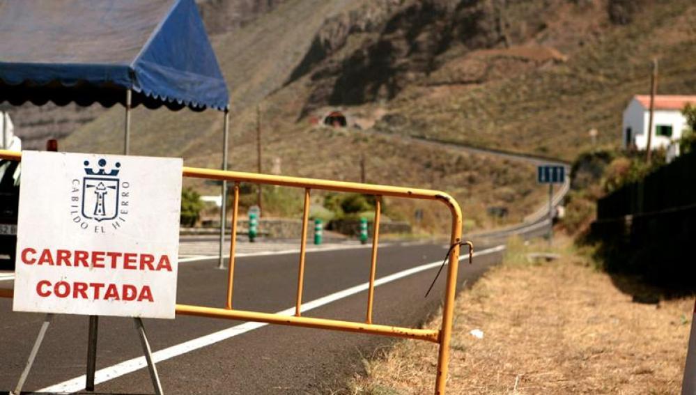 Carretera cortada en El Hierro