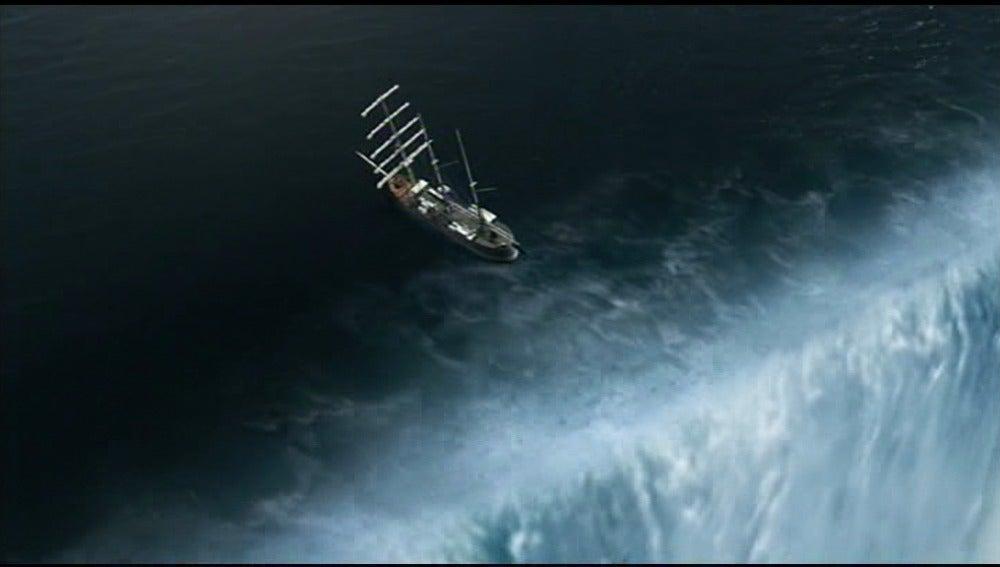 El Barco, al borde de la catarata