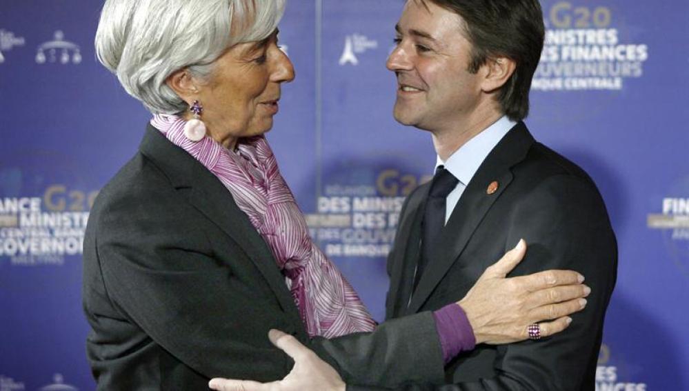 El ministro francés de Finanzas, Francois Baroin, recibe a la directora gerente del Fondo Monetario Internacional, Christine Lagarde