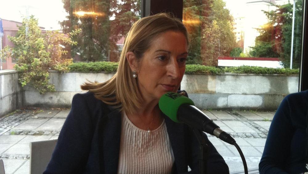 Desayuno Informativo - Ana Pastor - PP de Pontevedra 2