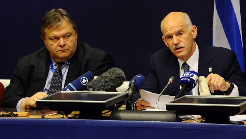 Venizelos y Papandreu en Bruselas