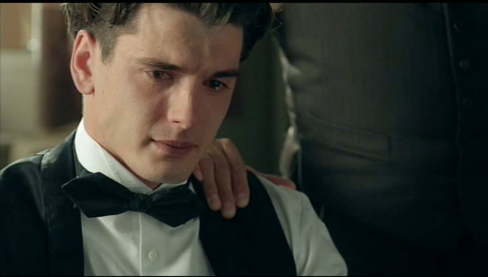 Julio llora la muerte de su hermana