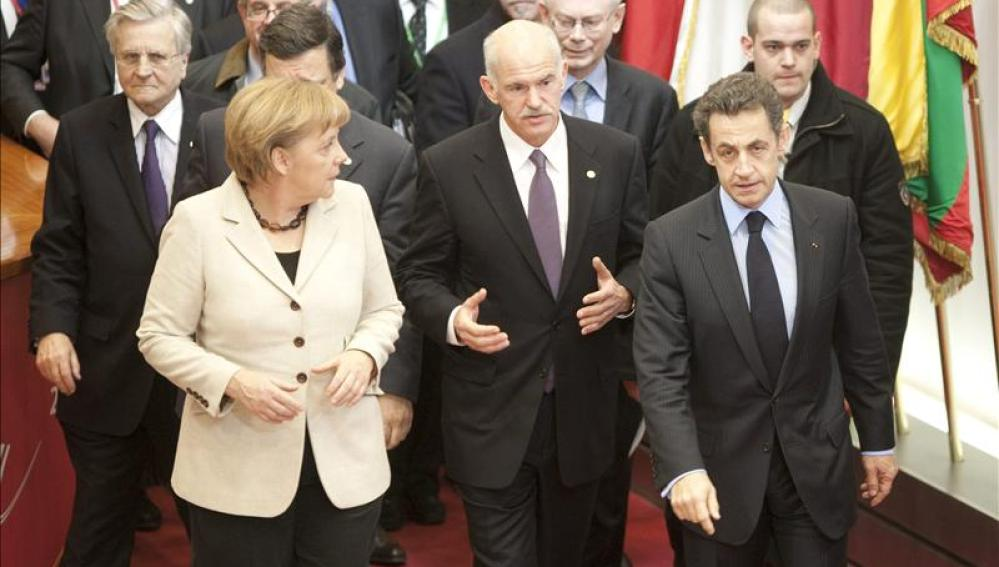 Francia amenaza con bloquear la ayuda a Grecia si no hay acuerdo