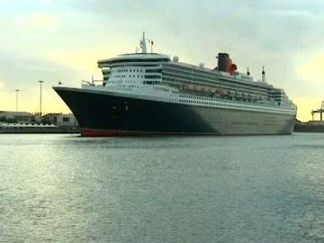 """La """"Queen"""" de los mares visita de nuevo el puerto de La Luz"""