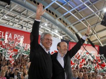 Rubalcaba junto a González en Dos Hermanas