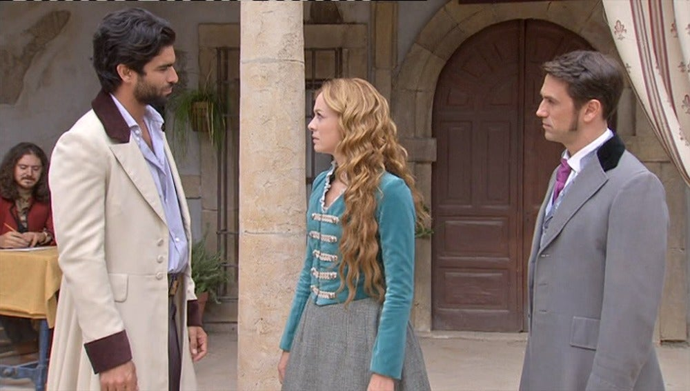 Sara y Jorge se encuentran en la plaza