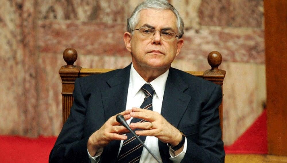 El nuevo primer ministro, Lukas Papademos