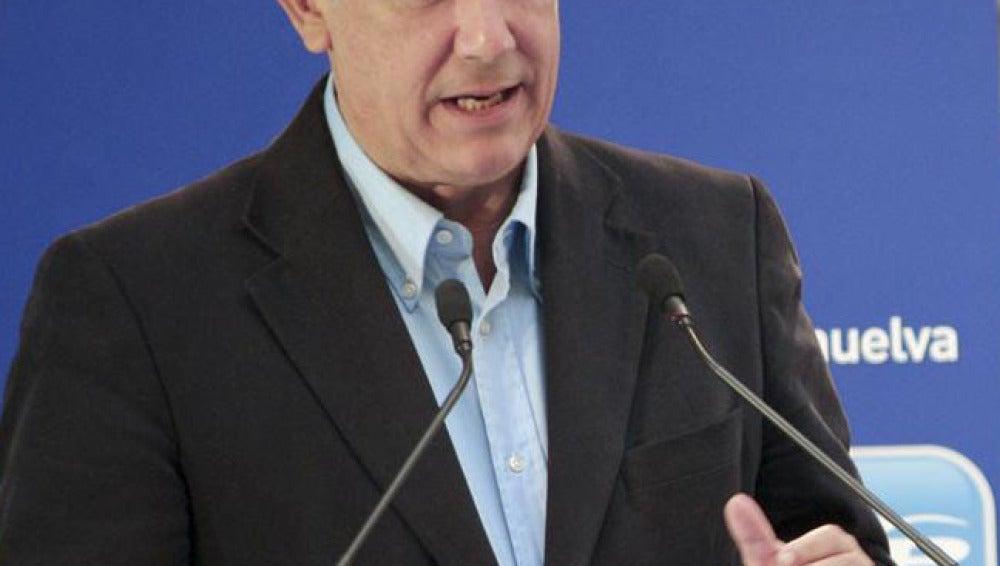 Javier Arenas, durante su intervención en Huelva